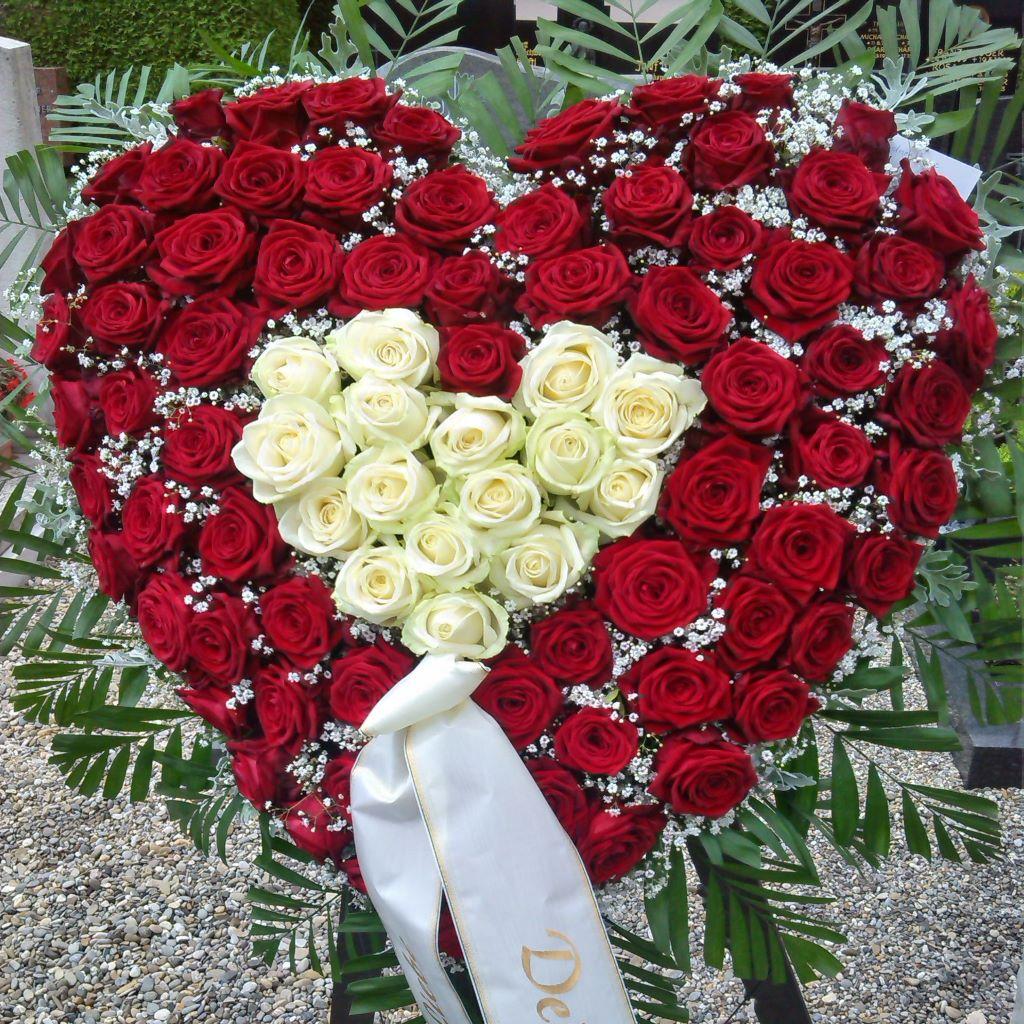 Trauerherz | Trauerfloristik | Blumen Schwarz